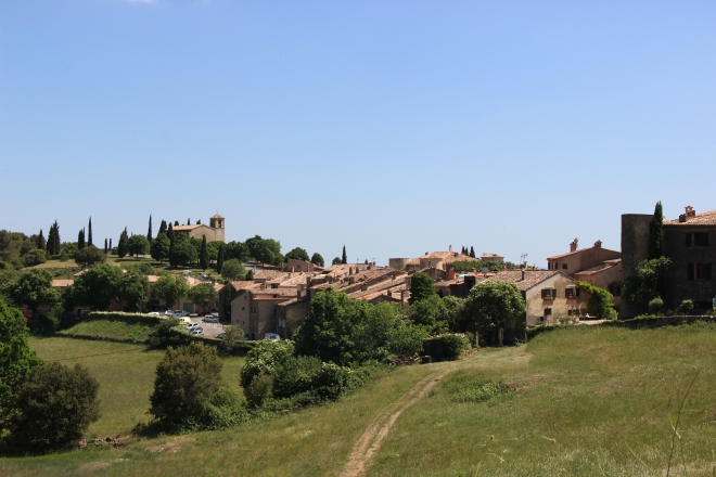 Tour Tour is an unspoiled medieval village, no modern houses in sight. Bliss