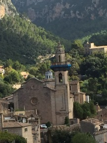 Crooked in Valldemossa